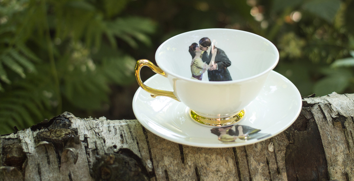 Melody-Rose-Kissing-Couple-Teaset-Slider