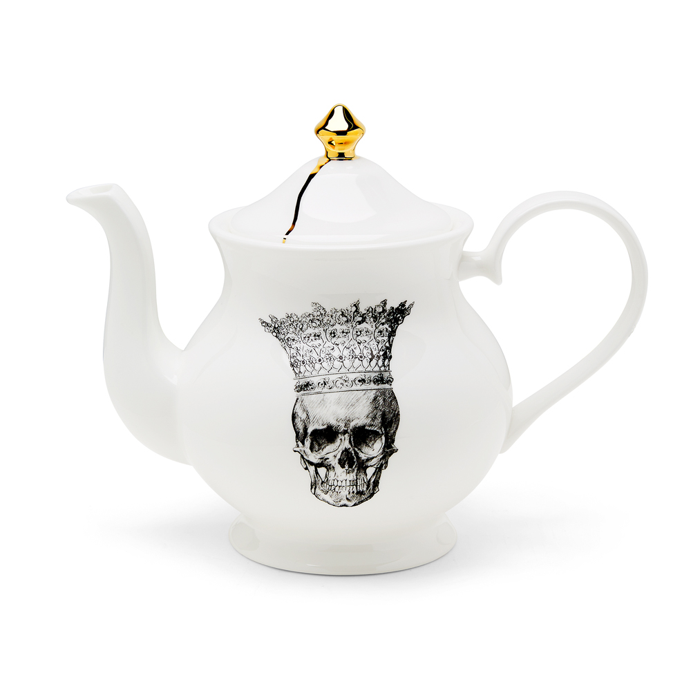 melody-rose-skull-in-crown-teapot